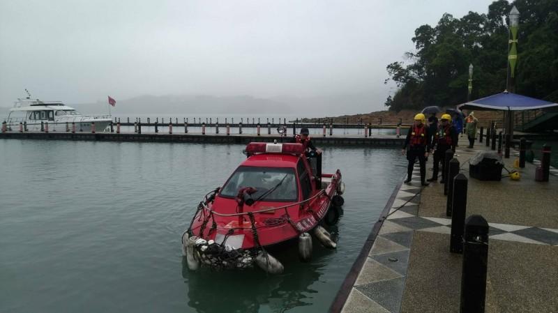 日月潭玄光碼頭傳出女子落水,下午2點多尋獲遺體。(記者劉濱銓翻攝)
