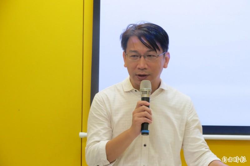 時代力量黨主席徐永明表示,時代力量民調顯示,罷韓成功機率高。(記者蘇金鳳攝)