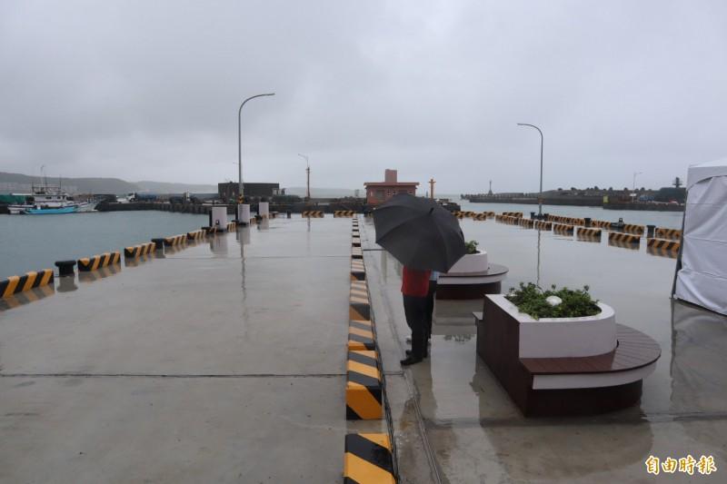 富基漁港多功能突堤碼頭提升漁民作業安全。(記者周湘芸攝)
