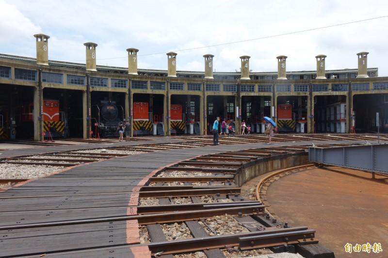 彰化扇形車庫是國內外鐵道迷必追的寶地。(資料照,記者劉曉欣攝)