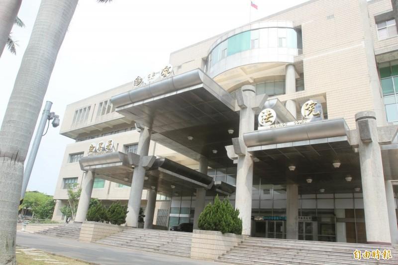 苗栗地院法官審理後,認為羅男與林女誣告罪證明確,分別判處有期徒刑2月、1月。(記者蔡政珉攝)