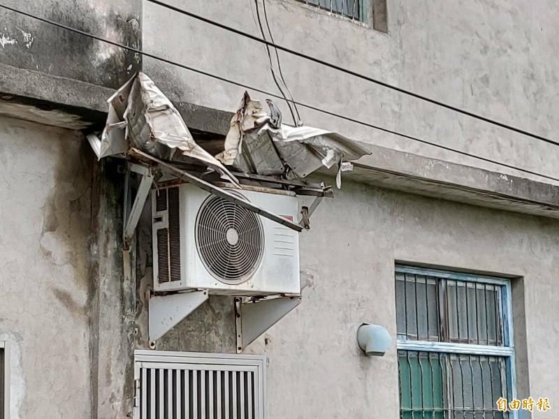 雨遮如何裝才對? 物流車撞歪民宅1樓冷氣雨遮引熱議