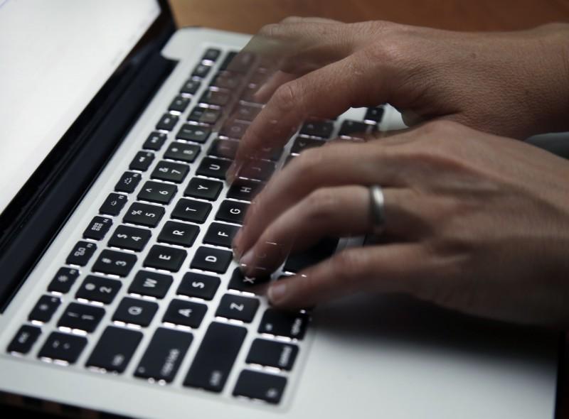 武漢肺炎疫情期間網路犯罪增加,預計約39秒就會發生一次網路攻擊事件。(美聯社)