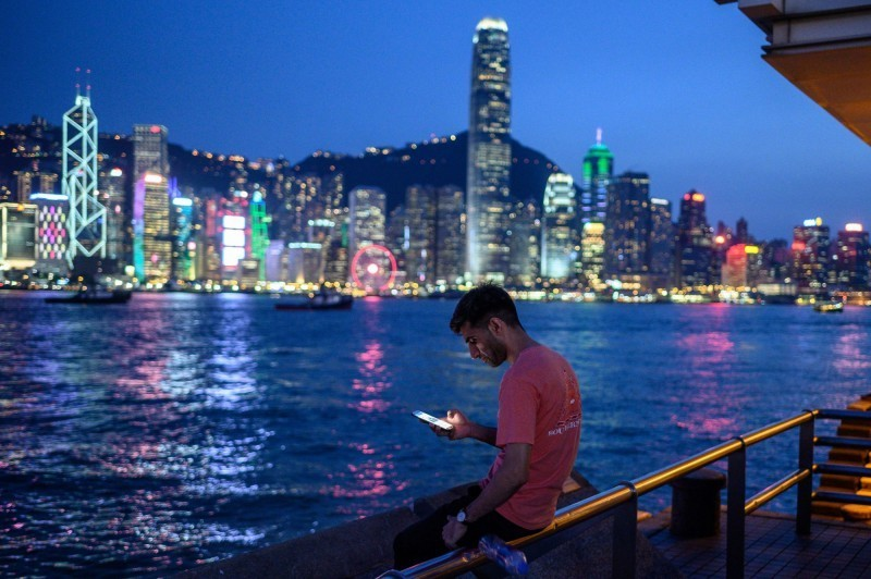 中國全國人大28日將審議「香港版國安法」授權案,通過後,人大常委會最快6月底著手立法。由於法案明定國安機關將在港設置機構履職,外界質疑,此舉將令香港「一國兩制」蕩然無存。(路透)