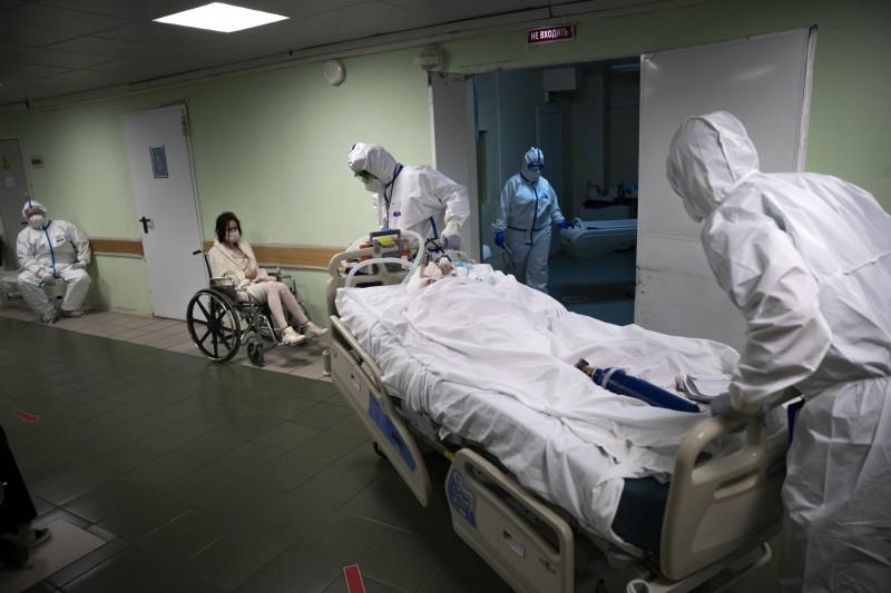 俄羅斯疫情持續升溫,今日傳單日增近萬例確診,總確診數突破33.5萬人。(美聯社)