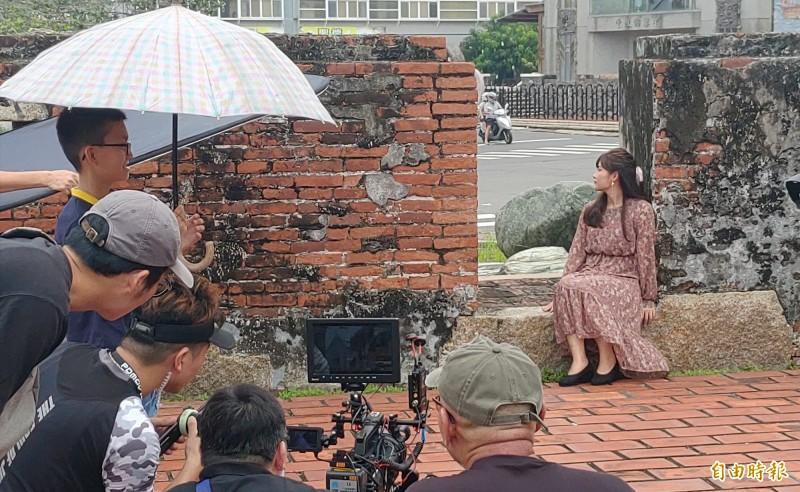 《新安平追想曲》故事MV及微電影在安平開拍,讓地方充滿期待。(記者蔡文居攝)