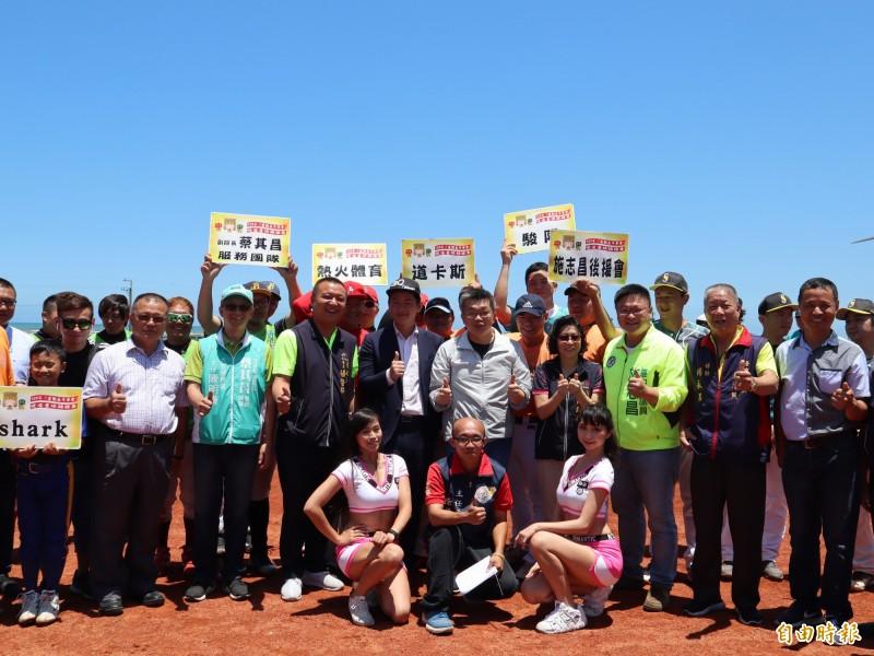 大安區南埔里海洋棒壘球場啟用,現場邀請六隊球隊競賽(記者歐素美攝)