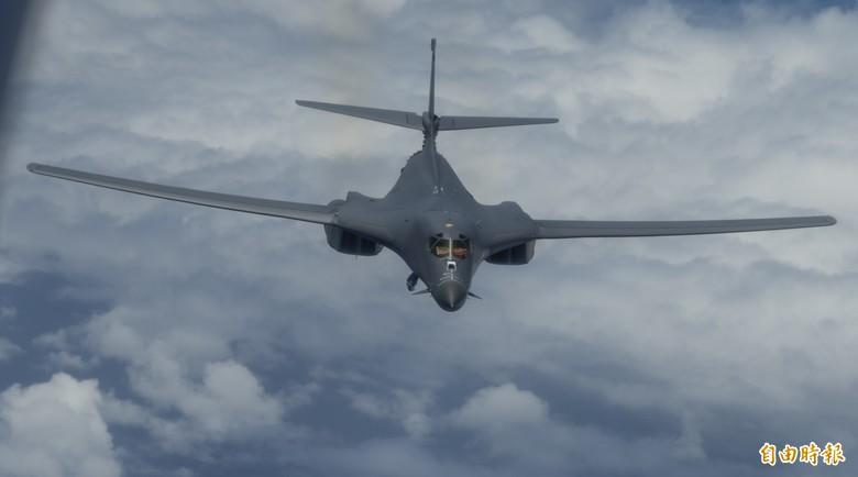 B-1B載彈量大,隱身方面也有優勢,可作為向中國實施戰略威懾的全新工具。(U.S. Air Force)