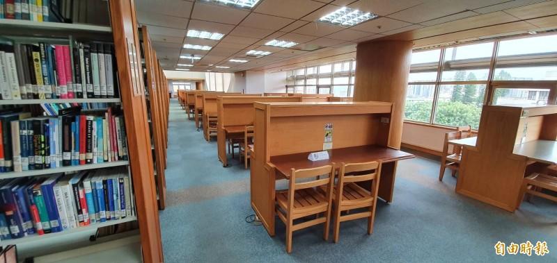 交通大學圖書館。(記者蔡彰盛攝)