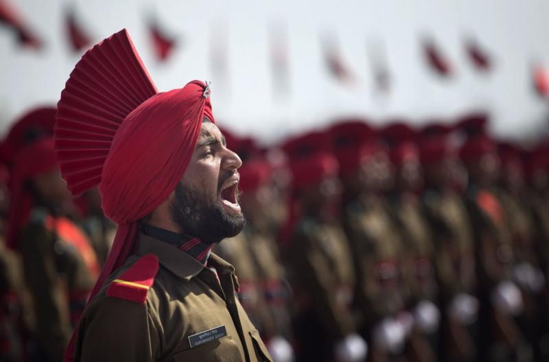 中印本月在邊境爆發衝突,印方調派兵力前往增援前線。圖為印度軍隊。(美聯社檔案照)