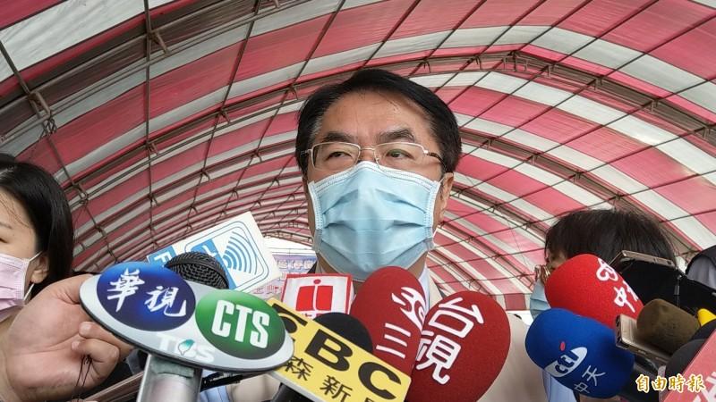 台南市長黃偉哲表示,希望中央流行疫情指揮中心指揮官陳時中下個週末就能到台南。(記者劉婉君攝)
