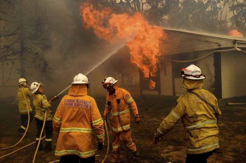 澳洲大火自去年延燒至今年2月,專家警告,森林大火未來恐更加頻繁地發生。(美聯社資料照)
