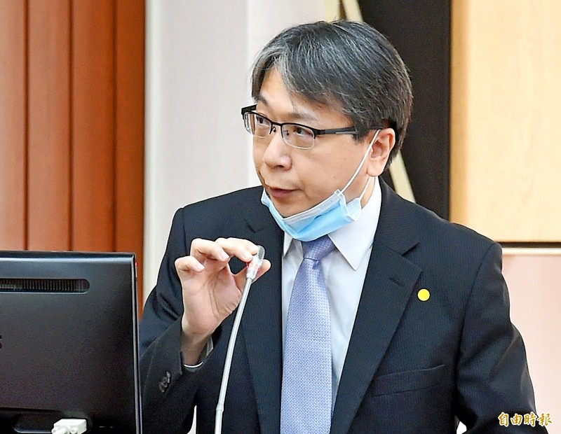 National Security Council Deputy Secretary-General Tsai Ming-yen speaks at a meeting of the legislature's Finance Committee in Taipei yesterday. Photo: Chu Pei-hsiung, Taipei Times