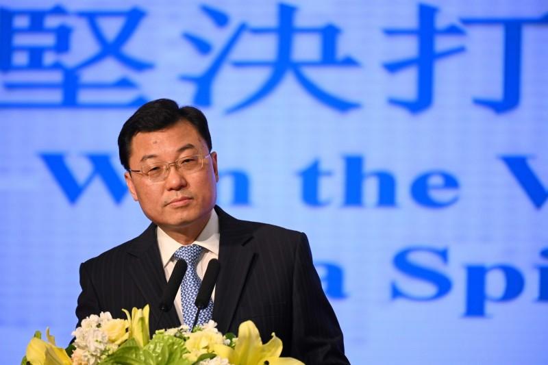 中國外交部駐香港公署特派員謝鋒發表「港版國安法」談話,直指香港之前的抗議行為存在恐怖分子本質。(法新社)