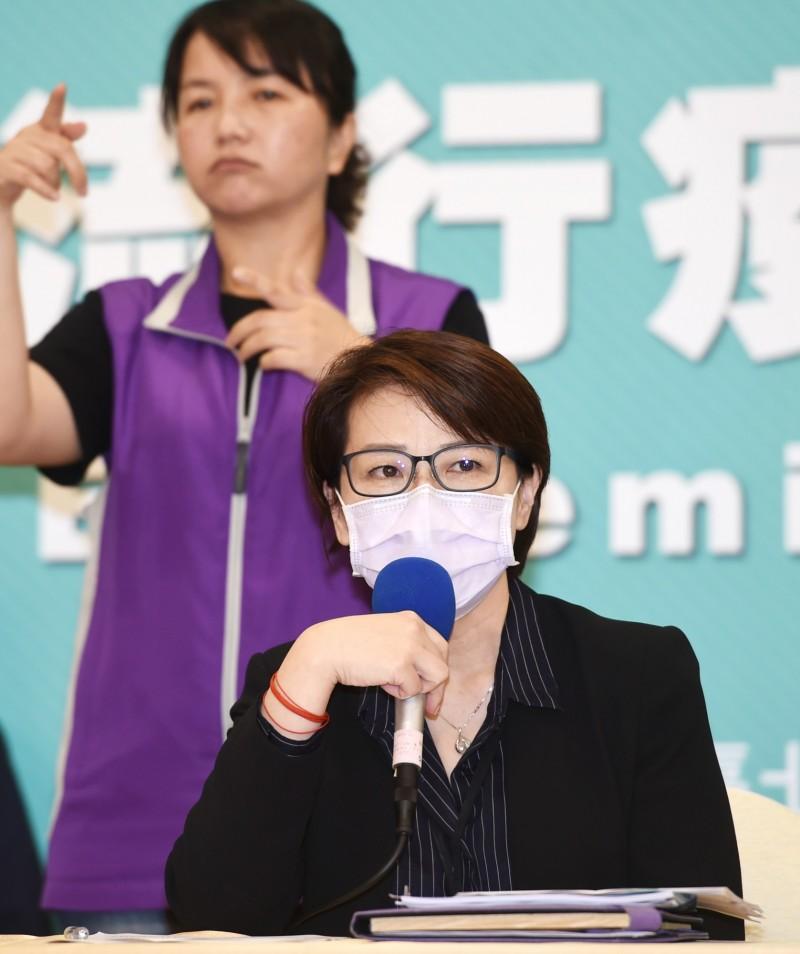 台北市政府將於6月25、26日辦2020台北端午龍舟錦標賽,副市長黃珊珊宣布,今年預賽及複賽採網路直播,決賽則有電視台直播,但不開放民眾現場觀賽,只開放線上觀賽。(記者方賓照攝)