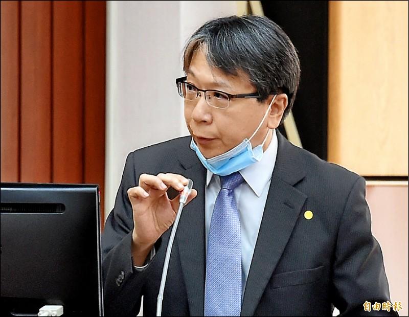 針對中國將推動「港版國安法」,國安會副秘書長蔡明彥25日在立院答詢時表示,這代表中國對一國兩制的承諾已經破滅。(記者朱沛雄攝)