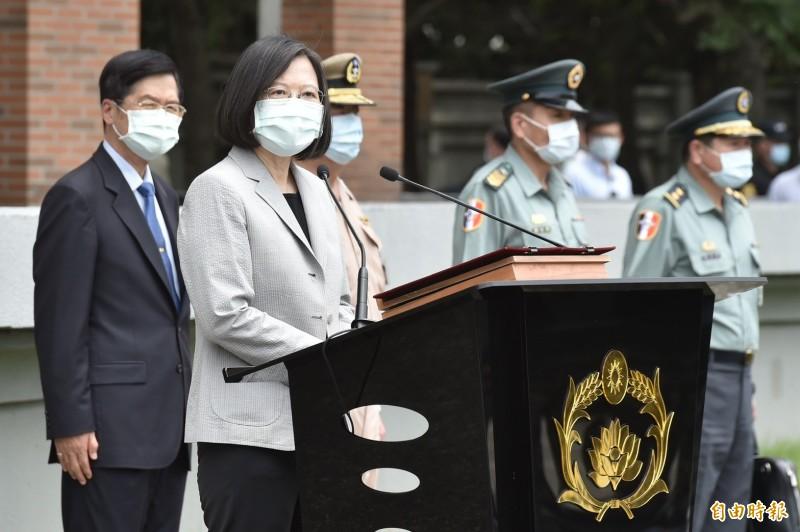 國民黨質疑蔡總統「切割」香港人民,蔡英文今表示「我們會有完整說明,國民黨的講法是錯的。」(記者塗建榮攝)