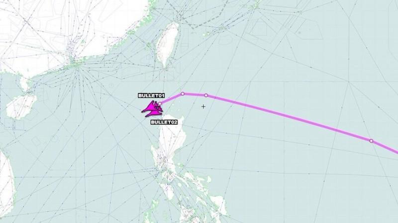 「飛機守望」(Aircraft Spots)公布美軍2架B-1B超音速轟炸機的飛行軌跡。(圖擷取自「飛機守望」推特)