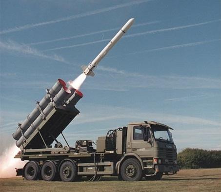 國軍有意向美國採購魚叉飛彈發射車。(翻攝自波音防衛推特)