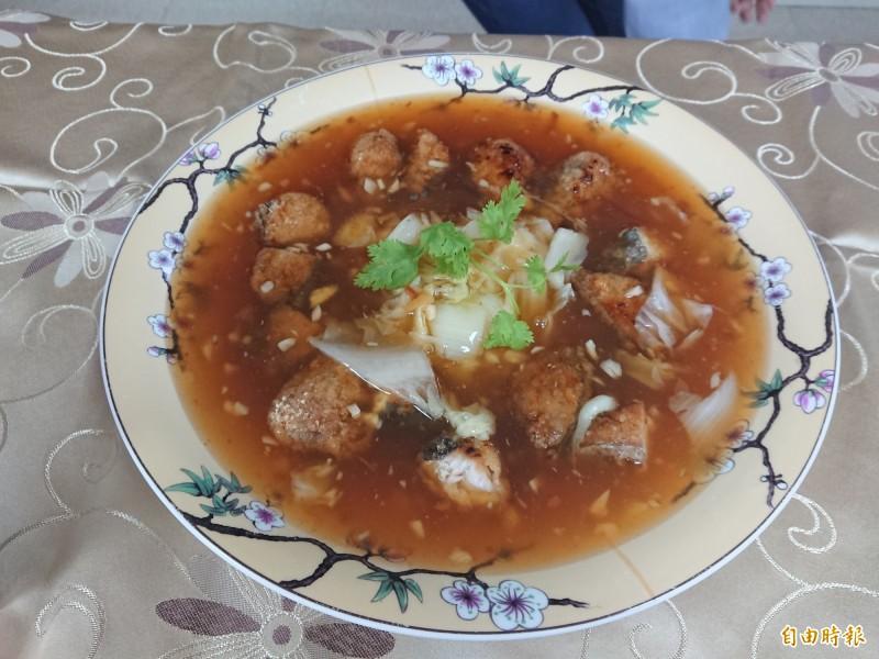 台南市府邀餐飲業備好「阿中自助餐」豐盛美食小吃歡迎阿中部長。(記者洪瑞琴攝)