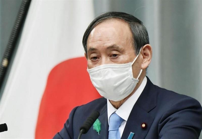 日本內閣官房長官菅義偉今天下午表示對中共通過「港版國安法」一事表示關切。(取自產經新聞)