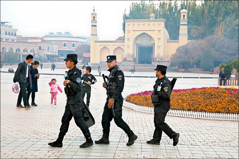 美通過維族人權法 制裁中國官員