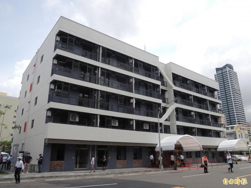 高市舊警舍整建社會住宅完工。(記者王榮祥攝)
