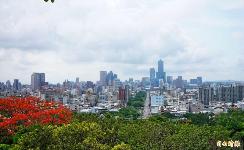 本波梅雨鋒面給帶台灣帶來大量雨水,終於在今天告一段落。(記者黃志源攝)
