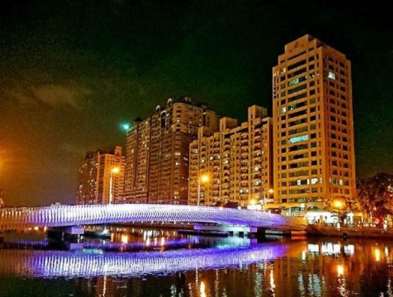 阿中部長今晚將搭台南運河遊船,欣賞台南夜景。(記者洪瑞琴攝)