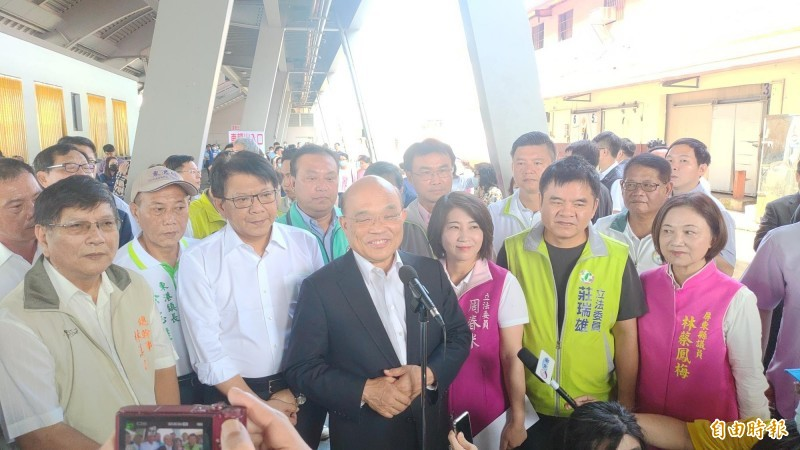 蘇貞昌反嗆要國民黨和台灣主流民意站在一起。(記者陳彥廷攝)