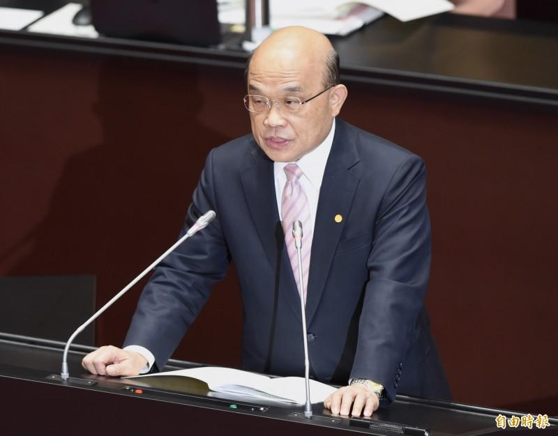 行政院長蘇貞昌下週二將宣布推出振興券,刷信用卡還有加碼優惠。(資料照)