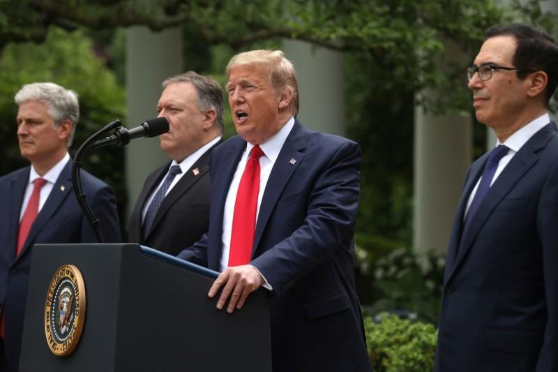 川普今天下午在白宮玫瑰園記者會上,細數中國近來引發的爭議,並宣布多項制裁措施。(路透)
