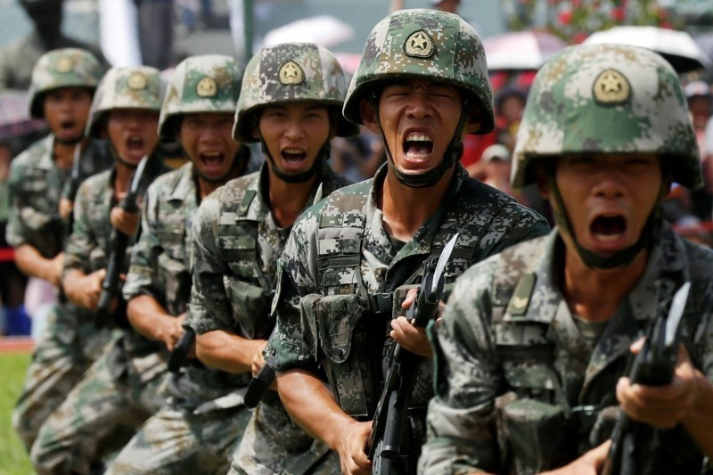 印方消息指出,中國解放軍在與印度邊境地區集結重兵。(路透檔案照)
