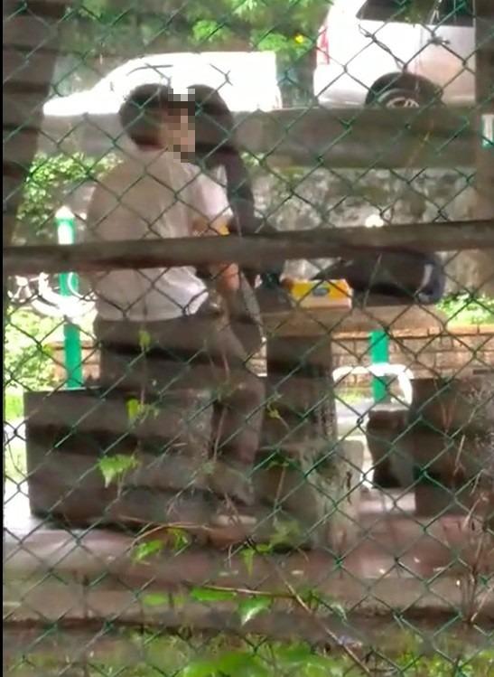 警方將追究在涼亭發生性行為的男女學生罪責。(取材自網路)
