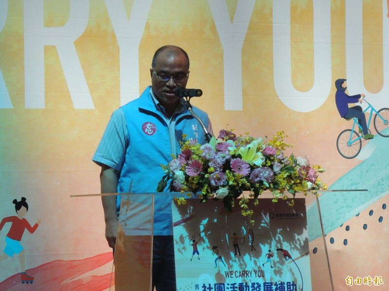 高市副市長葉匡時鼓勵學生參與社團活動。(記者王榮祥攝)
