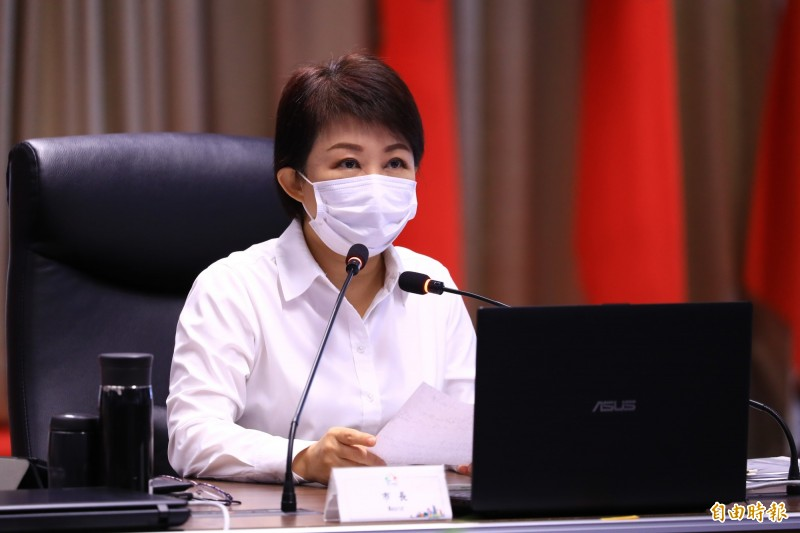 台電傳有意重啟中火兩燃煤機組,盧秀燕「不明白為什麼,拜託饒了台中人」。(記者蘇孟娟攝)