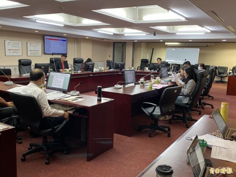 台北市議會教育委員會今開會審議提案。(記者楊心慧攝)