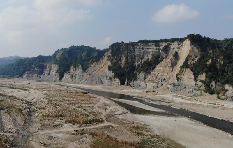 南投竹山鎮觀光資源豐富,圖為小黃山特殊地理景觀。(南投縣政府提供)