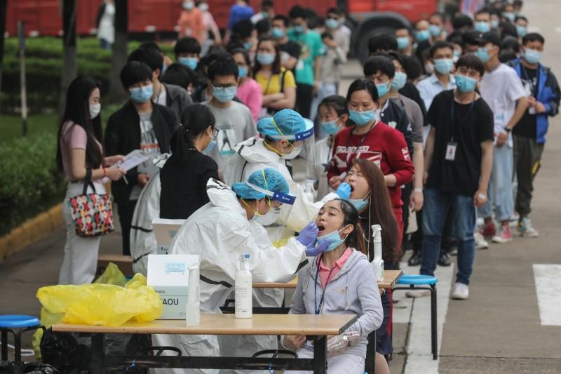 中國湖北省武漢市上月中旬針對全市民眾,展開武漢肺炎(新型冠狀病毒病,COVID-19)病毒檢測。(法新社)