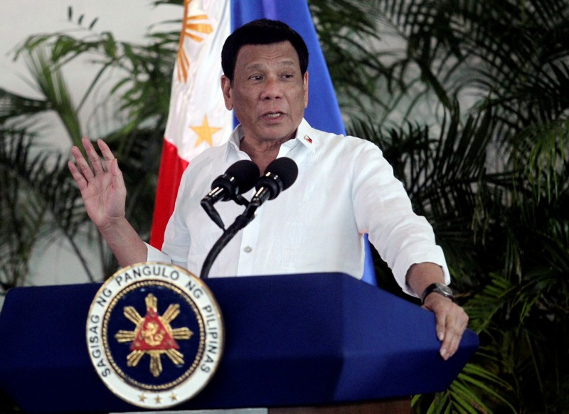 菲國總統杜特蒂(見圖)原本說要終止美菲軍隊訪問協定(VFA),最後卻決定暫停。(路透)
