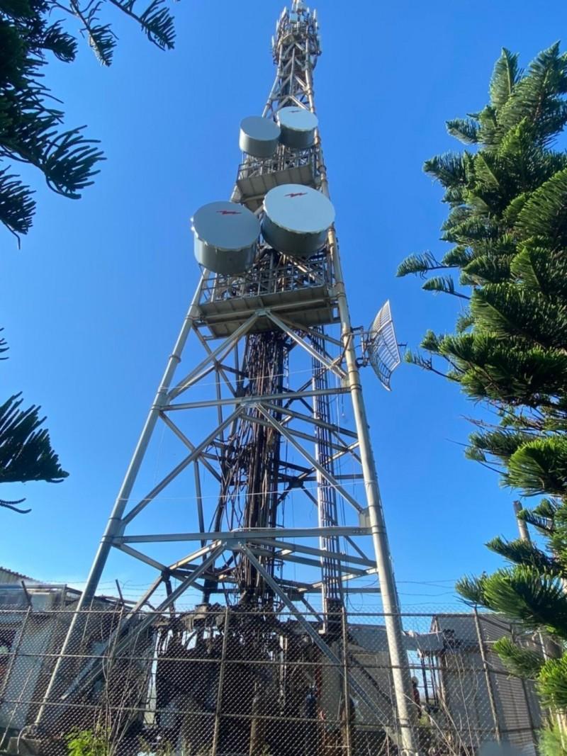 外垵基地台為中華電信所有,影響西嶼用戶近3000人。(澎湖縣政府消防局提供)