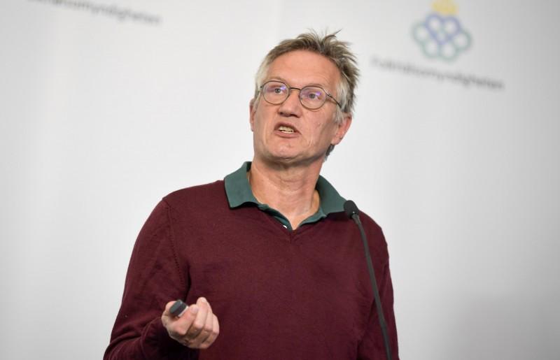 瑞典首席流行病學家蒂格內爾今日承認,應該實施較嚴格的隔離管制措施,就不會導致如今這麼多人死亡。(美聯社)
