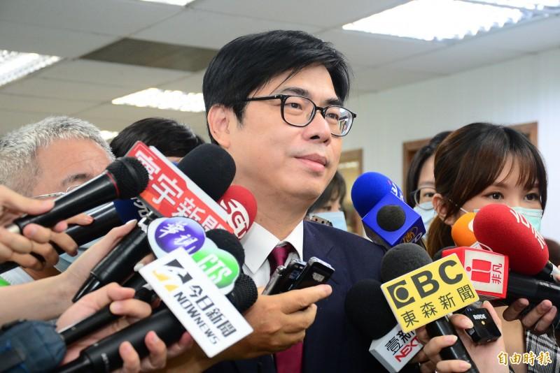 民進黨中常會,行政院副院長陳其邁出席,並在會前受訪。(記者王藝菘攝)