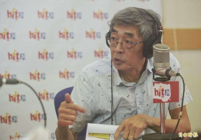 銅鑼灣書店店長林榮基接受廣播電台訪問。(記者張嘉明攝)