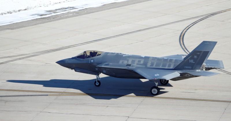 美國國防部已和洛克希德·馬丁簽訂3678萬美元(約新台幣11億元)合約,將F-35A戰鬥機的配備加以改裝。(路透)