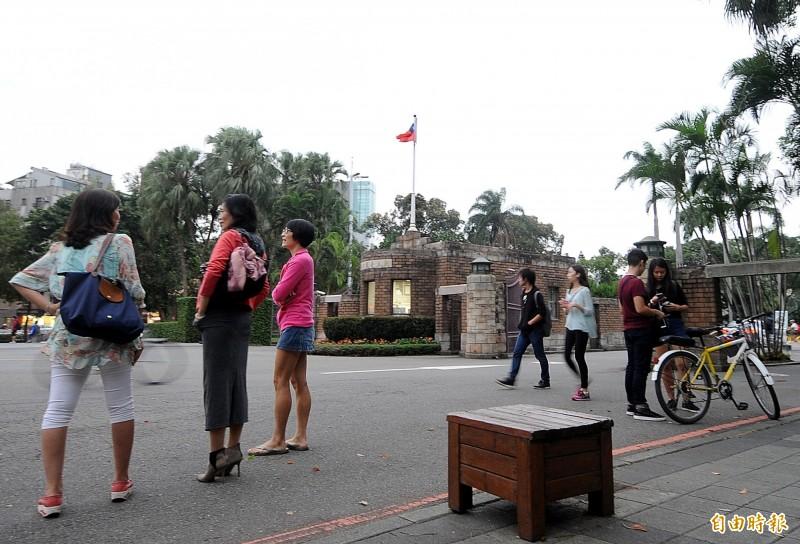 行政院暫緩境外生入境,台灣大學表示,一旦境外生之門關上,將帶來負面影響,衝擊台灣的高教國際化。(資料照)