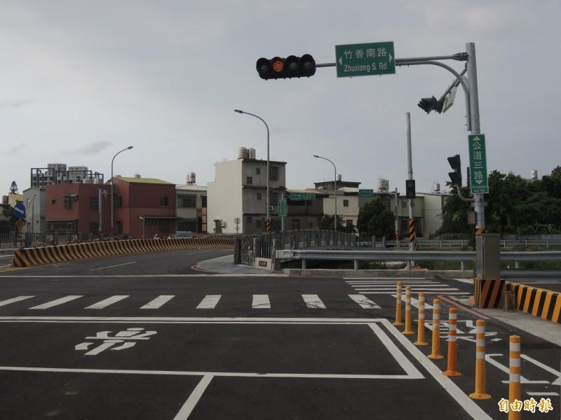 新竹市延宕近30年的公道三新闢道路,將從竹光路開闢穿越延平路一段銜接景觀大道,市府提醒拆遷戶要在7月底到8月初完成地上物自拆作業,市府將在7月底辦理動工典禮。(記者洪美秀攝)