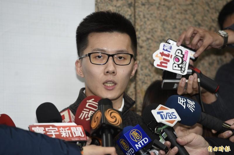 高雄市長韓國瑜罷免投票通過,國民黨青年部主任蕭敬嚴(見圖)今晚表示,同意票超過當年韓國瑜當選市長的得票數,「不能再拿25%的低門檻來質疑罷韓正當性了」,這是「教訓韓國瑜」與「教訓國民黨」的綜合投票,「倘若這個時候還有人妄想明年黨主席選舉,甚至2024總統選舉,只能說,真的是不知道是怎麼輸的。」(資料照,記者叢昌瑾攝)