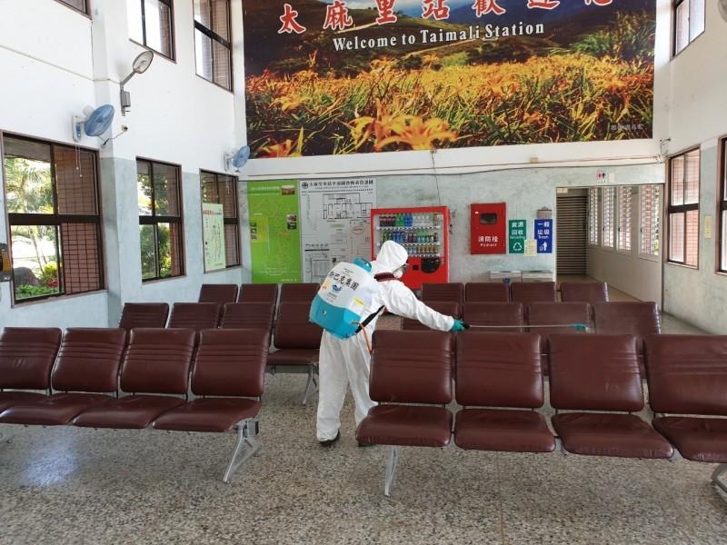 台灣斯巴克針對太麻里等車站,主動提出無償消毒服務。(台灣斯巴克提供)