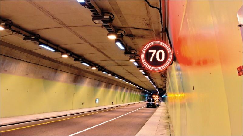 去年底至今年初陸續全線通車的南迴改、蘇花改部分路段,交通部公路總局已規劃將提高最高速限十公里。圖為蘇花改。(資料照,記者張議晨翻攝)